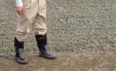 長靴を履いた農ログスタッフ