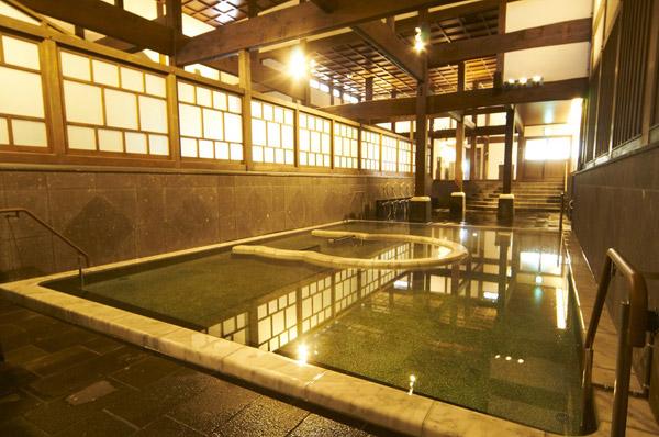 山鹿温泉さくら湯の湯船