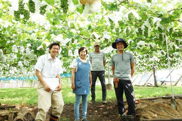 岩崎園さんと農ログの集合写真