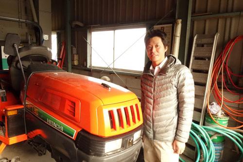トラクターと農ログメンバー原の写真