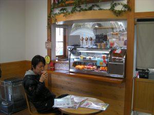 吉次園さんのカフェカウンター